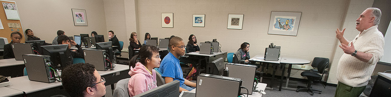 NOVA instructor reviews cyber security with class