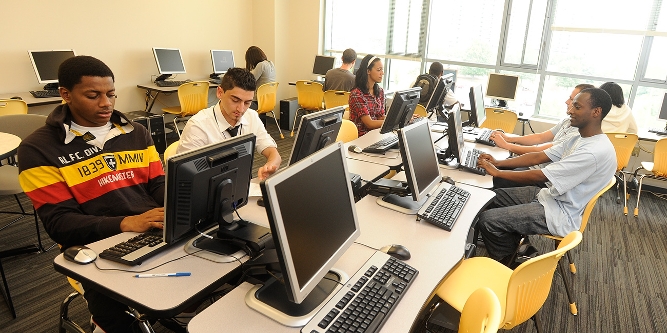 Students working in an Open Computer Lab